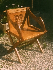 Glastonbury-Chair