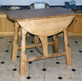 Small-Drop-Leaf-Table