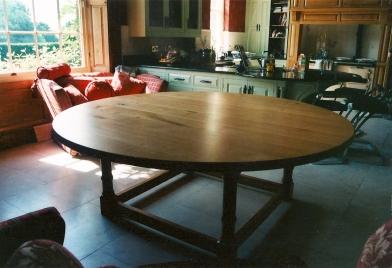 Circular-Table