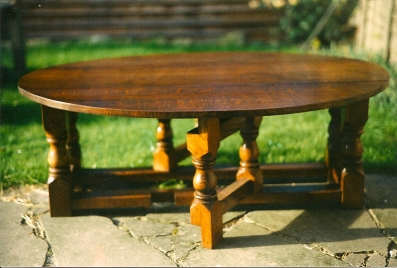 Drop-Leaf-Coffee-Table