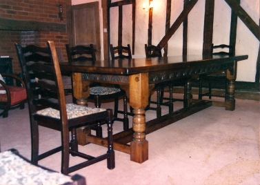 Refectory-Table-Lunett-Carvings