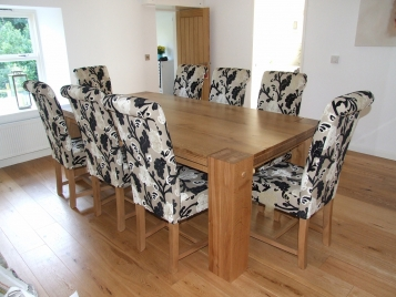 chunky-oak-table